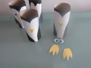 Arty Crafty Kids - Paper Penguin Roll