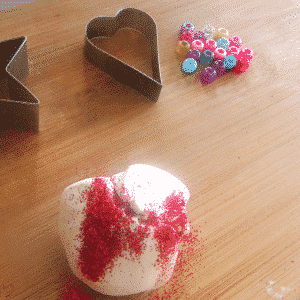 Arty Crafty Kids - Valentine Heart Suncatcher 1