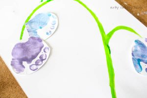 Arty Crafty Kids | Art | Bluebell Footprint Art | A cute Spring craft for kids, using little tooties and feet to make a gorgeous bluebell!
