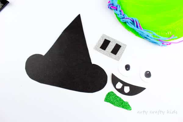 Arty Crafty Kids | Craft | Halloween Craft for kids | Paper Plate Witch