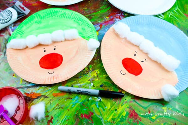 Arty Crafty Kids | Christmas Craft | Paper Plate Christmas Elf Craft | Super cute and easy paper plate Elf Craft for kids! #christmas #christmascraft #kidschristmascraft