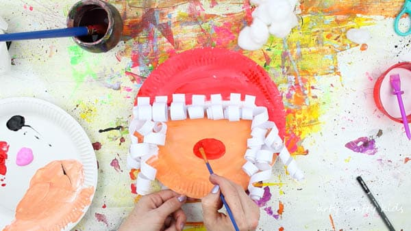 Arty Crafty Kids | Christmas | Paper Plate Mrs Claus Christmas Craft for Kids #christmascraft #Santacraft #Christmascraftsforkids