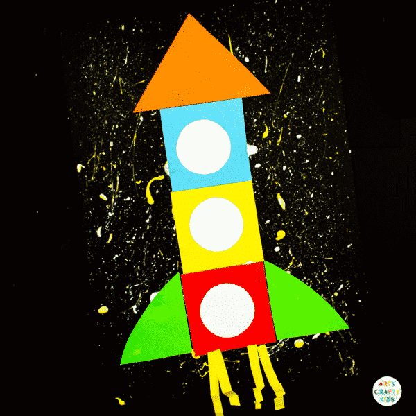 Arty Crafty Kids | Printable Rocket Ship for Kids - Children can trace, cut and stick the simple shapes to create a rocket ship. Great for fine motor skills and shape play #printable #kidscrafts #preschool #finemotor #shapes