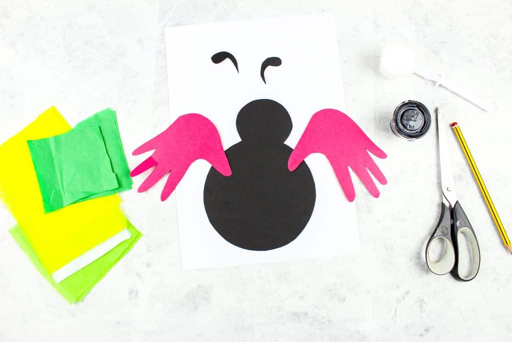 Arty Crafty Kids | Handprint Ladybug Craft - a simple bug art and craft idea for kids to enjoy as part of a minibeast topic. Simply download and print the ladybug printable template to get started!