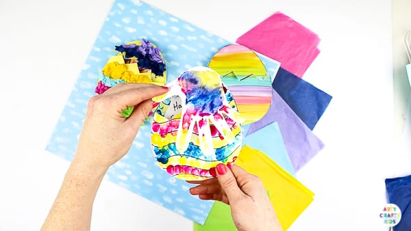 Arty Crafty Kids | How to make a Kid-Made Hand print Easter card. Complete with Easter Egg templates!