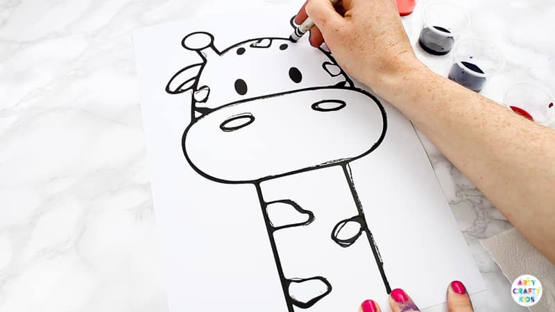 Arty Crafty Kids | Easy Abstract Giraffe Painting Idea for Kids - bring the colour and fun with this easy animal art idea for kids, complete with a giraffe printable template. #kidsart #kidscrafts