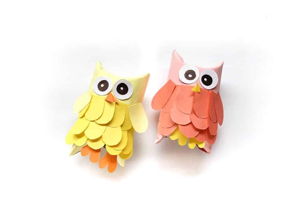 Arty Crafty Kids | Toilet Paper Roll Owls for kids to make this Autumn. A sweet Autumn craft for kids using recycled materials.