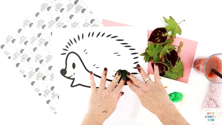 How to Paint Leaves and Create Awesome Lead Prints with a Hedgehog Template.