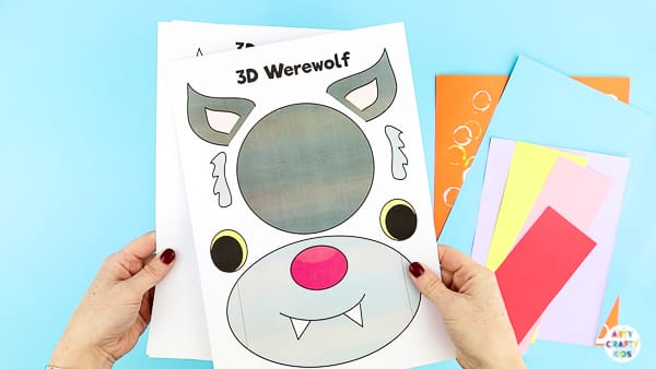Arty Crafty Kids | Arty Crafty Kids | 3D Paper Wolf Craft for kids to make. Perfect for Winter Animal craft topic or as a Werewolf for Halloween. Either way, kids will love this 3D playful paper craft.