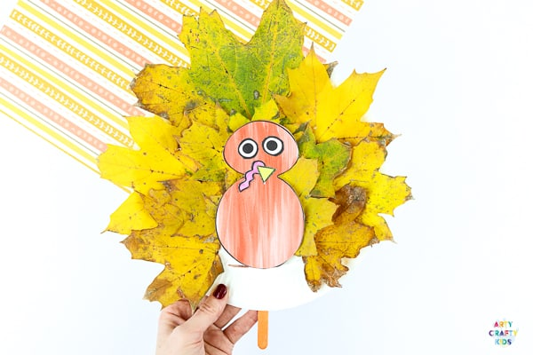 Arty Crafty Kids | Paper Plate Leaf Turkey Craft for kids.  An easy craft for Thanksgiving.