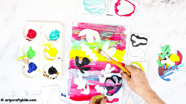 Easy Matisse Art Project for Kids: The project can be adapted or extended to suit children of all ages (and any adults needing an outlet for some self-expression!) and helps them to explore colour and shape in a really fun, free and spontaneous way.