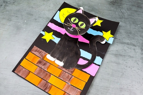 A fun, interactive and easy black craft for Halloween!   Our black cat craft supports fine motor skills for pre-school and school early years children by including coloring, cutting, sticking and folding, and it also encourages concentration and precision with the different elements they need to assemble.