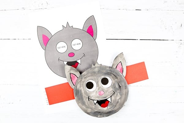 Moving Eyes Bat Craft: Craft meets play with this fun and engaging Halloween Paper toy Craft. This simple paper craft can be done independently, at school or at home, and delivers lots of fun once it's completed too.