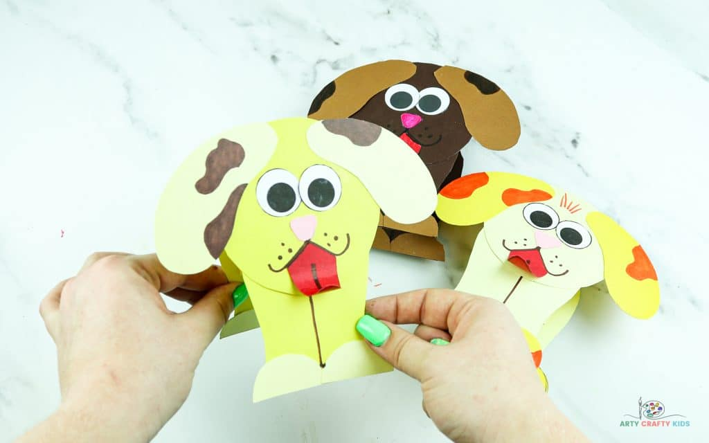 How to make a toy story inspired slinky dog craft. Using simple shapes, and lines, this slinky dog craft with its very own template is the perfect craft for preschoolers and children who love dogs!